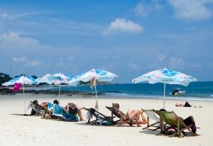 plyaj ao prao na taiskom ostrove samet vnov otkryt dlya otdyhayushih Пляж Ао Прао на тайском острове Самет вновь открыт для отдыхающих