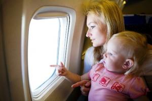 polovina passajirov molitsya vo vremya poleta Половина пассажиров молится во время полета