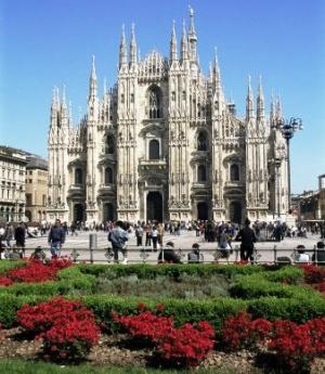 pyacca duomo v milane ozelenyat Пьяцца Дуомо в Милане озеленят