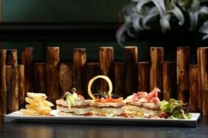pyatizvezdochnyi otel v gonkonge predlagaet samyi dorogoi v mire klab sendvich Пятизвездочный отель в Гонконге предлагает самый дорогой в мире клаб сэндвич
