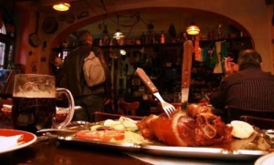 restorany pragi byli oshtrafovany iz za obmana turistov Рестораны Праги были оштрафованы из за обмана туристов