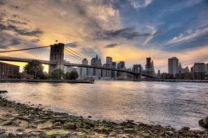 rossiiskogo turista zaderjali za fotografii s bruklinskogo mosta Российского туриста задержали за фотографии с Бруклинского моста