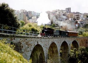 sardiniya predlagaet otpravitsya v puteshestvie na istoricheskom parovoze Сардиния предлагает отправиться в путешествие на историческом паровозе