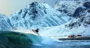 serfingisty pokorili arktiku Серфингисты покорили Арктику