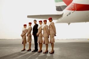skolko zarabatyvayut styuardy i styuardessy Emirates Сколько зарабатывают стюарды и стюардессы Emirates