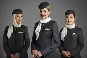 styuardessy Etihad Airways toje stanut nyanyami Стюардессы Etihad Airways тоже станут нянями