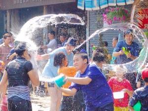 tailand otmetit songkran Таиланд отметит Сонгкран