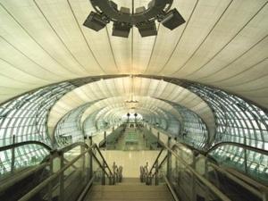 turistam sleduet zaranee vyezjat v aeroport bangkoka Туристам следует заранее выезжать в аэропорт Бангкока