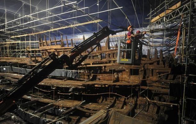 v anglii otkrylas vystavka obektov podnyatyh s legendarnoi meri rouz В Англии открылась выставка объектов, поднятых с легендарной Мэри Роуз