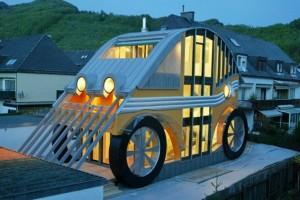 v avstrii mojno uvidet kottedj avtomobil В Австрии можно увидеть коттедж автомобиль