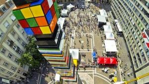 v budapeshte sobrali samuyu vysokuyu bashnyu iz Lego В Будапеште собрали самую высокую башню из Lego