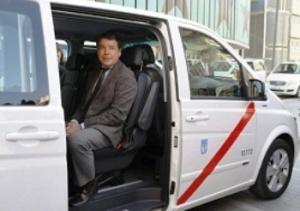 v madride poyavilis taksi na vosem chelovek В Мадриде появились такси на восемь человек
