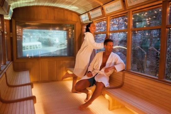 v milane mojno poparitsya v tramvae saune В Милане можно попариться в трамвае сауне