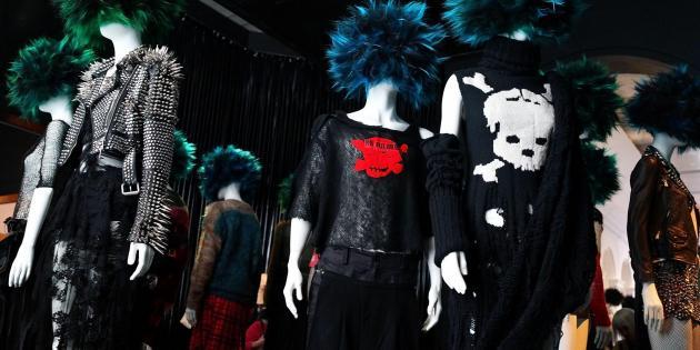 v nyu iorkskom metropolitene otkrylas vystavka pank kultury В нью йоркском Метрополитене открылась выставка панк культуры