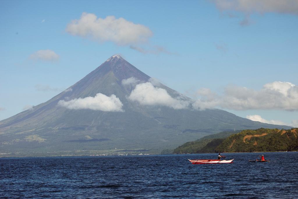vulkan na filippinah unes jizni pyati alpinistov Вулкан на Филиппинах унес жизни пяти альпинистов
