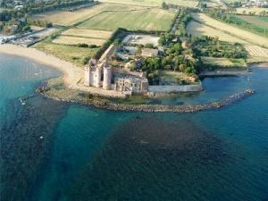 zamok okolo rima otkrylsya dlya turistov Замок около Рима открылся для туристов