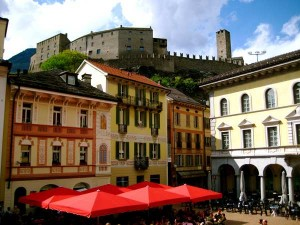 castelli bellincona 300x225 Беллинцона   ворота в Италию