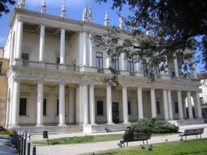 vichenca palazzo chiericati 300x225 Виченца   город Палладио
