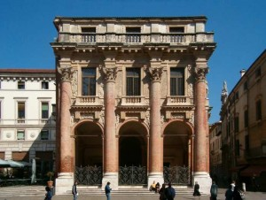 vichenca palazzo del capitanio 300x226 Виченца   город Палладио
