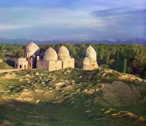 shahi zinda 300x259 Голубые купола Самарканда