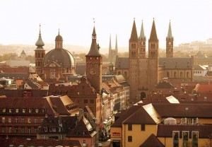 sabor ratusha wyrcburga 300x208 Епископская резиденция в Вюрцбурге
