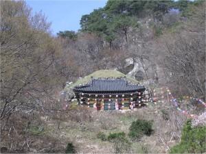 seokguram vhod v grot 300x225 Соккурам   грот озарения