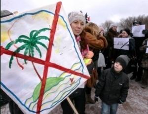 miting turistov proshel v sankt peterburge Митинг туристов прошел в Санкт Петербурге