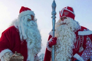ded moroz i ioulupukki vstretilis na granice Дед Мороз и Йоулупукки встретились на границе