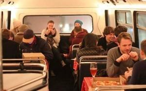 londonskii dabldekker prevratilsya v picceriyu Лондонский даблдеккер превратился в пиццерию