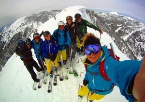 turist upal s vysoty 500 metrov pytayas sdelat selfi Турист упал с высоты 500 метров, пытаясь сделать селфи