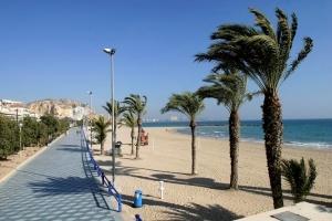 ispaniya otkryla plyajnyi sezon Испания открыла пляжный сезон
