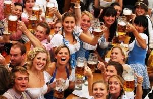 organizatory oktoberfesta podnimut ceny na pivo Организаторы Октоберфеста поднимут цены на пиво