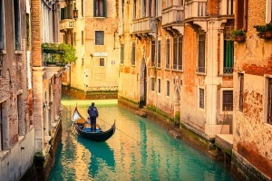 turistov oshtrafovali na 500 evro za nochevku v palatke v centre venecii Туристов оштрафовали на 500 евро за ночевку в палатке в центре Венеции