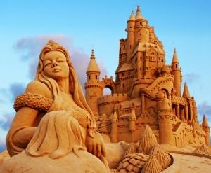 v petropavlovskoi kreposti poselyatsya figury iz peska В Петропавловской крепости «поселятся» фигуры из песка