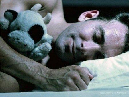 pochemu mujchinam polezno spat bez belya Почему мужчинам полезно спать без белья?
