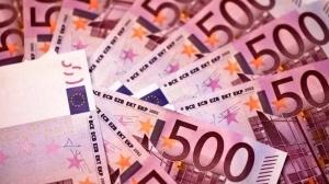 rossiyanka nelegalno privezla v greciyu 2 3 mln evro Россиянка нелегально привезла в Грецию 2,3 млн евро
