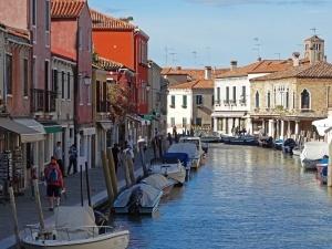 jiteli venecii vystupili protiv zasilya goroda turistami Жители Венеции выступили против засилья города туристами