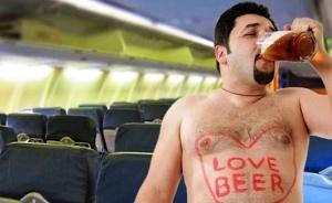 aviakompanii smogut na god zapreshat letat deboshiram Авиакомпании смогут на год запрещать летать дебоширам