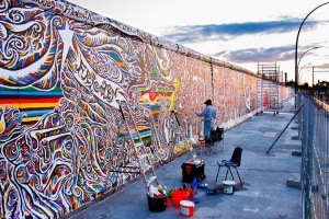 vokrug berlinskoi steny poyavitsya ograjdenie Вокруг Берлинской стены появится ограждение