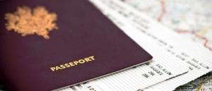 sotrudnica aviakompanii sluchaino porvala pasport turista pered vyletom Сотрудница авиакомпании случайно порвала паспорт туриста перед вылетом