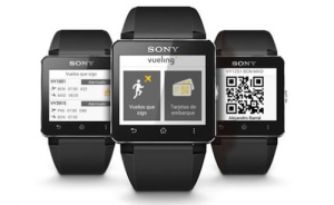 Sony i Vueling predstavili posadochnyi talon na ekrane naruchnyh chasov Sony и Vueling представили посадочный талон на экране наручных часов