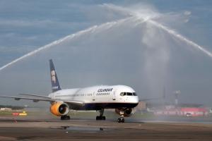 aviakompaniya Icelandair ustanovila novyi rekord po passajiropotoku Авиакомпания Icelandair установила новый рекорд по пассажиропотоку