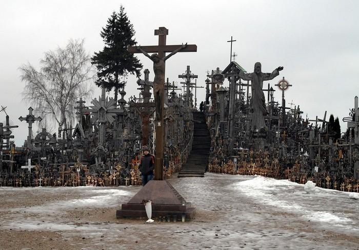gora krestov v litve – neobychnoe mesto palomnichestva Гора Крестов в Литве – необычное место паломничества