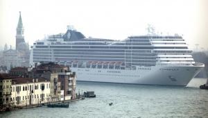 kruiznye lainery poka ostayutsya v venecii Круизные лайнеры пока остаются в Венеции