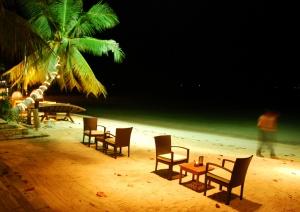 na kurortah tailanda otmenen komendantskii chas На курортах Таиланда отменен комендантский час