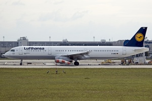 piloty Lufthansa anonsirovali trehdnevnuyu zabastovku Пилоты Lufthansa анонсировали трехдневную забастовку