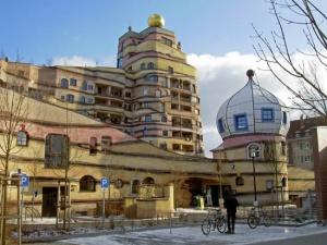 prichudlivyi kompleks domov v germanii Причудливый комплекс домов в Германии