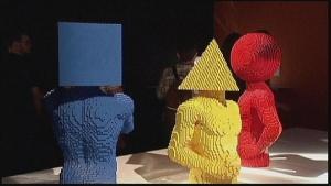 v nyu iorke prohodit vystavka skulptur Lego В Нью Йорке проходит выставка скульптур Lego