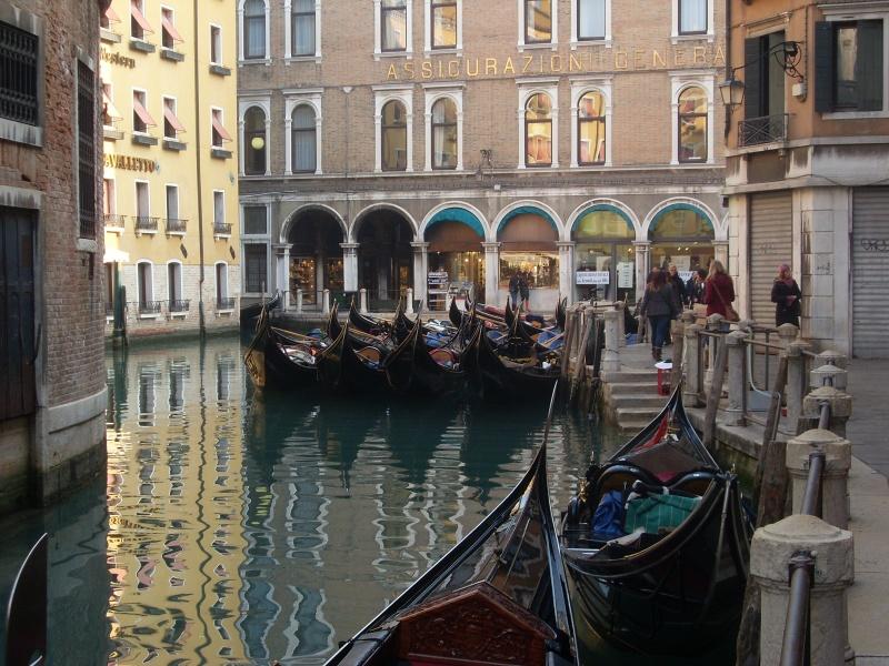 Венеция на сутки остановит движение по воде