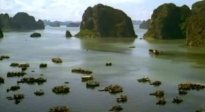ha long 300x164 Бухта Ха Лонг. Удивительный мир островов